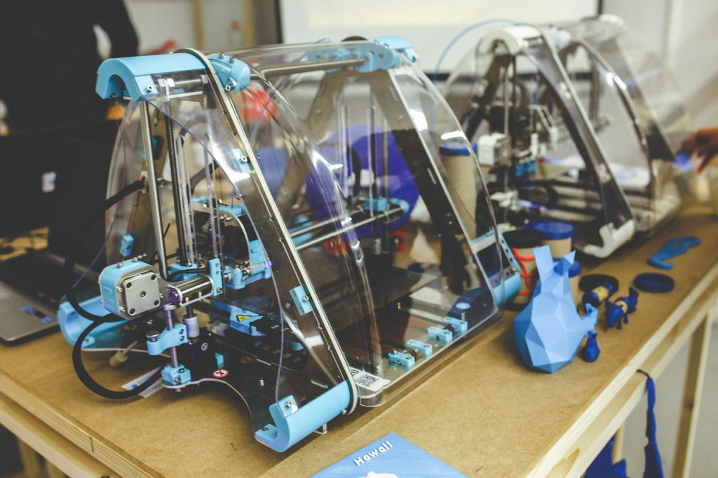3D printer making prototypes for Elmelin, Mica specialists