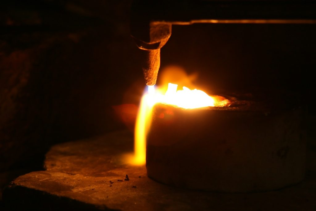 image of aluminium being smelted for blog by Elmelin on Which Metals Dissipate Heat the Best