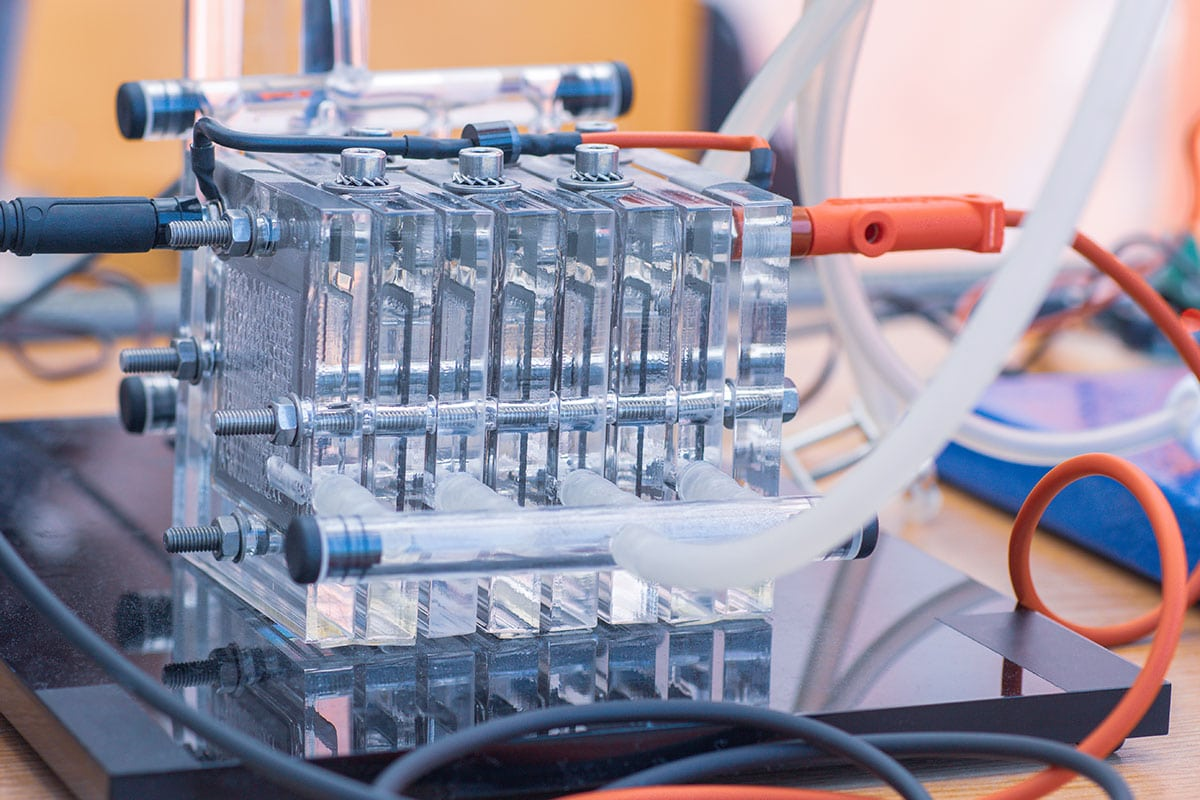 The pros and cons of hydrogen fuel cells
