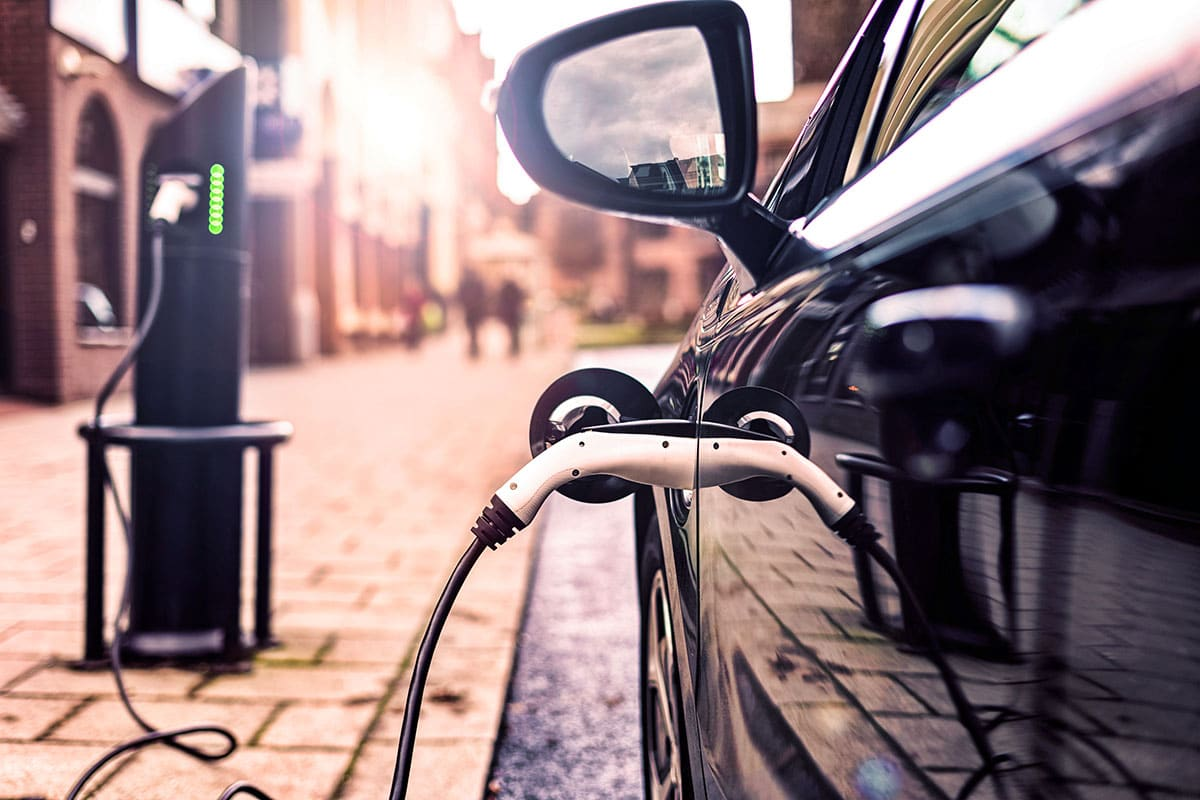 Electric vehicle battery technology – where are we now?
